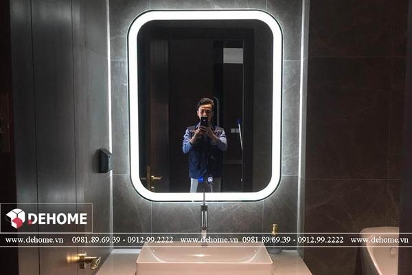 Gương đèn led cảm ứng có đèn DEHOME có gì thu hút?
