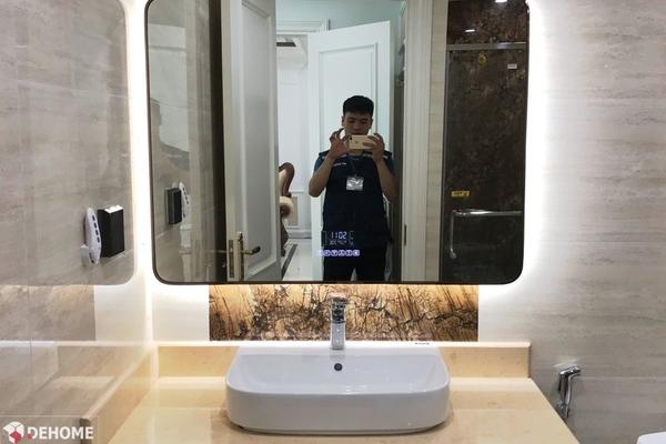Mẫu gương nhà tắm khung kim loại tại Dehome mới nhất 2021