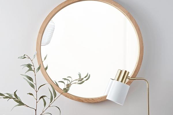 Top 5 mẫu gương treo tường khung gỗ bán chạy nhất Dehome
