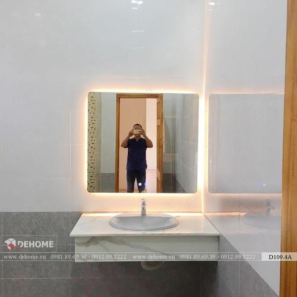 Gương Treo Nhà Tắm Có Đèn Cao Cấp Dehome - D910.4A