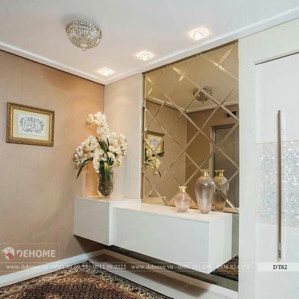 Gương ghép dán tường phòng khách Dehome DT62