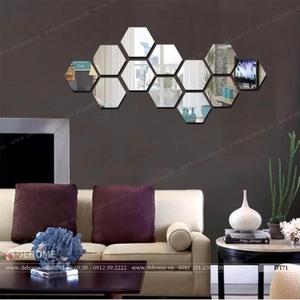 Gương ghép dán tường phòng khách tổ ong Dehome DT71