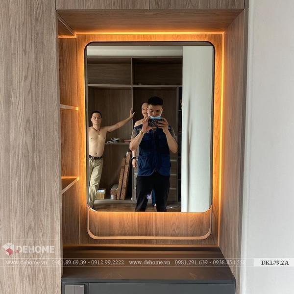 Gương trang điểm có đèn led khung sơn tĩnh điện Dehome - DKL79.2A
