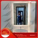 Gương nhà tắm chữ nhật có đèn led cảm ứng Dehome - KM4